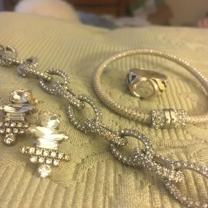 Parcel of 4 pieces of jewelry including J Crew